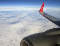 Turkish Airlines sobre as nuvens Fotografia de Stock Royalty Free