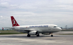 Turkish Airlines sur l'aéroport d'Istanbul Ataturk Photographie stock