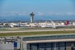 Turkish Airlines voyagent en jet décolle à l'aéroport international de Los Angeles Photos libres de droits