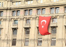 Turkish flag on house in Istanbul Royalty Free Stock Photos