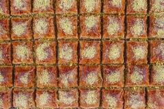 Turkisk baklava på lagret för turkisk fröjd royaltyfri foto