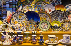 Turkisk colorful pottery souvenirs in Grand Bazaar Royalty Free Stock Image