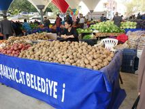 Turkisk den basarfrukt och grönsaken stannar arkivfoton