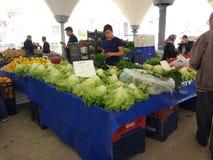 Turkisk den basarfrukt och grönsaken stannar royaltyfria bilder
