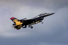 Turkisk F-16 falk - Soloturk skärmlag Arkivfoton