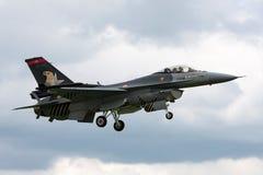 Turkisk falk för flygvapenGeneral Dynamics F-16CG stridighet 90-0011 av för ` för turk` solo laget för skärm Royaltyfri Bild