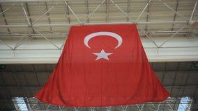 Turkisk flagga i flygplats arkivfilmer