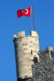 Turkisk flagga på st.peter's-slottet Royaltyfria Foton