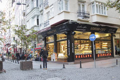 Turkisk fröjd shoppar i Taksim, Istanbul Royaltyfria Bilder