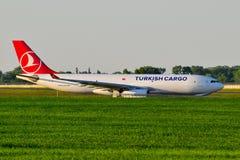 Turkisk lastflygbolagflygbuss A330 Fotografering för Bildbyråer