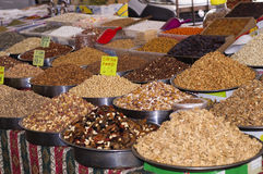 Turkisk marknad nuts torkade frukter Royaltyfri Fotografi