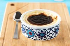 Turkisk mjölkaktig efterrätt Sutlac Royaltyfri Foto