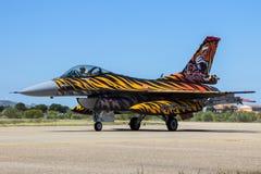 Turkisk nivå för flygvapenF--16jaktflygplan Arkivfoto