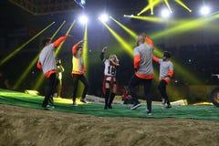 Turkisk sångareMerve Ozbey konsert under Istanbul Superenduro c Royaltyfri Fotografi