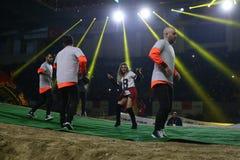 Turkisk sångareMerve Ozbey konsert under Istanbul Superenduro c Fotografering för Bildbyråer