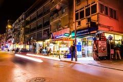 Turkisk stad för sommarsemester på natten Royaltyfri Bild