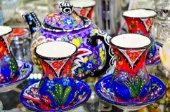 Turkisk traditionell bordsservis för te arkivbild