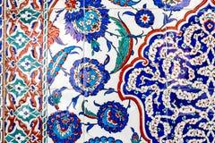 Turkiska blåa tegelplattor royaltyfri fotografi