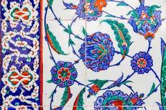 Turkiska blåa tegelplattor arkivbilder