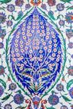 Turkiska blåa tegelplattor royaltyfria bilder