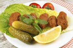 Turkiska foods; cigkofte Royaltyfri Fotografi