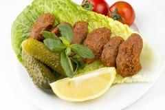 Turkiska foods; cigkofte Royaltyfria Foton