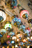 Turkiska lampor i storslagen basar Royaltyfria Foton