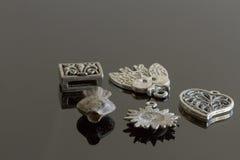 Turkiska modesmyckenobjekt - silver Arkivbilder