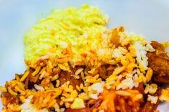 Turkiska ris och köttfärslimpa med mosade potatisar Arkivbild