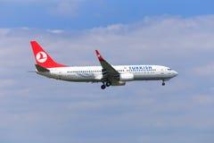 Turkiskt flygbolag Boeing 737 Fotografering för Bildbyråer