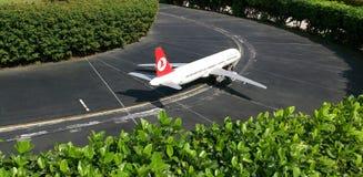 Turkiskt flygbolagflygplan Fotografering för Bildbyråer