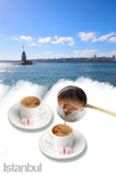 Turkiskt kaffe och kizkulesi Arkivbilder