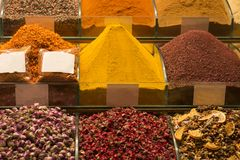 Turkiskt te på marknaden Royaltyfri Bild