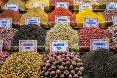 Turkiskt te på storslagen basar i Istanbul Royaltyfria Bilder
