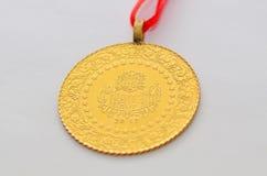 Turkiskt traditionellt guld- mynt för slut upp till Royaltyfria Foton
