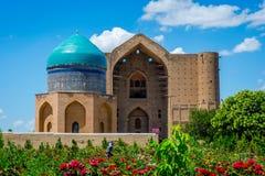 Turkistanmausoleum, Kazachstan stock afbeeldingen