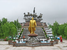 Turkmenbashi雕象在阿什伽巴特 免版税图库摄影