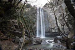 Turkmensk vattenfall, Aliaga izmir Vattenfall i djupt skoglandskap Royaltyfria Bilder
