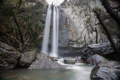 Turkmensk vattenfall, Aliaga izmir Vattenfall i djupt skoglandskap Royaltyfri Foto