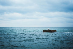 Turkoois-blauwe overzees in de winter Royalty-vrije Stock Foto's