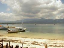 Turkoois oceaan en paradisiaque strand stock afbeeldingen