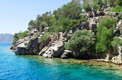 Turkooise wateren van het Egeïsche Overzees dichtbij het eiland Royalty-vrije Stock Foto