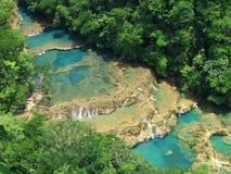 Turkooise watervallen royalty-vrije stock afbeeldingen