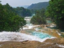 Turkooise watervallen royalty-vrije stock afbeelding