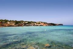 turkos för formentera medelhavs- havsseascape arkivfoto