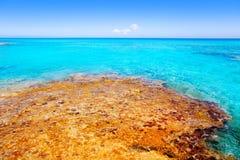 turkos för hav för strandcaloes formentera royaltyfri foto