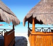 turkos för karibiskt hav för kabin tropisk royaltyfri bild
