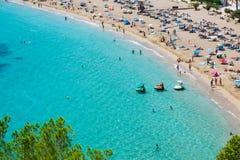 Turkos för strand för Ibiza Cala de Sant Vicent caletade San Vicente royaltyfri foto