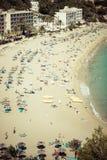 Turkos för strand för Ibiza Cala de Sant Vicent caletade San Vicente arkivbilder