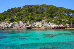 Turkoshav i Cala Caldana Menorca Spanien arkivbilder